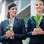 Как побороть зависть на работе, если завидуют вам?