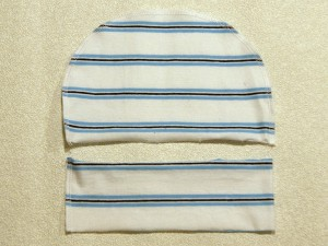 Шьем простую детскую шапочку, прошить, срезы подрезать до ширины 5 мм