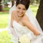 Свадебное платье с цветами украсит торжество