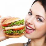 4 причины того, почему вы едите перед сном